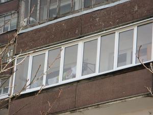 Nr.14 - Balkono stiklinimas plastiku