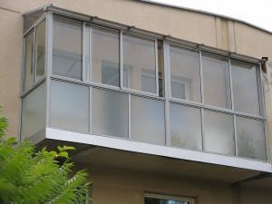 Nr.15 - Balkono stiklinimas su stogeliu