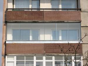 Nr.9 - Balkono stiklinimas aliuminio profiliais